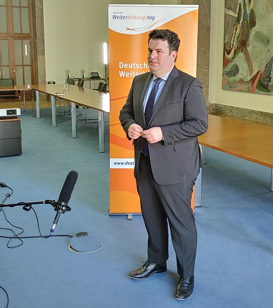 Bundesminister Hubertus Heil im Interview