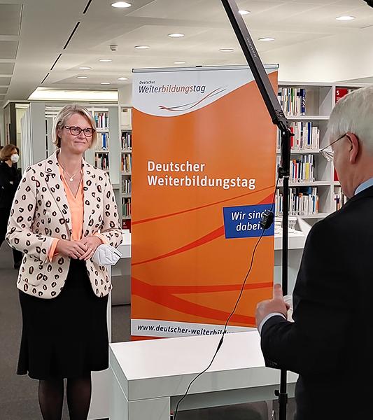 Bundesministerin Anja Karliczek im Interview